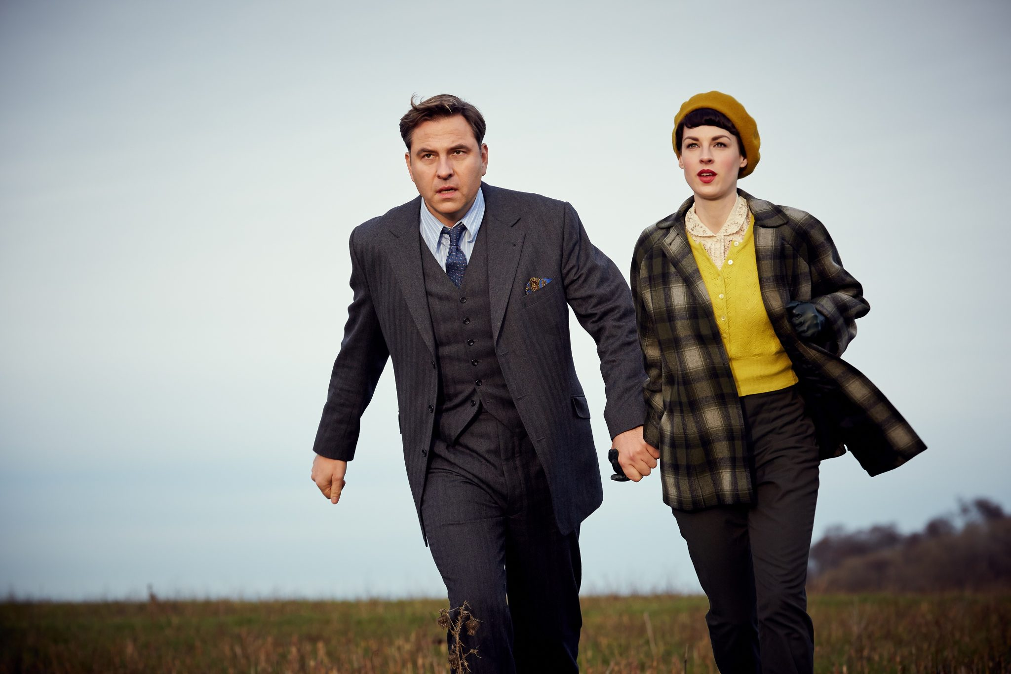 Partners In Crime_SE1_Ep1_David Walliams as Tommy, Jessica Raine as Tuppence © Endor & ACPL & a3mi (2)