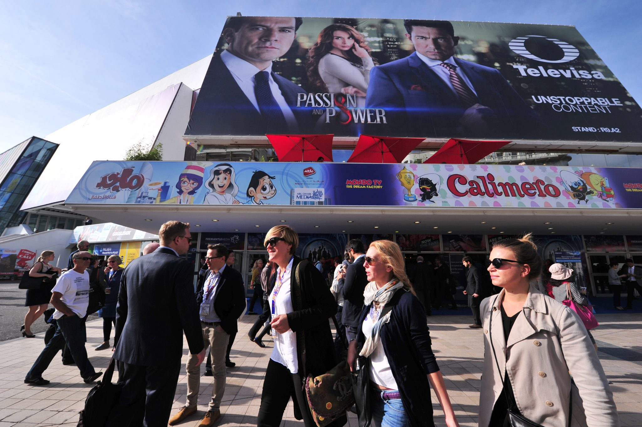 MIPCOM 2015 - ATMOSPHERE - OUTSIDE - PALAIS DES FESTIVALS