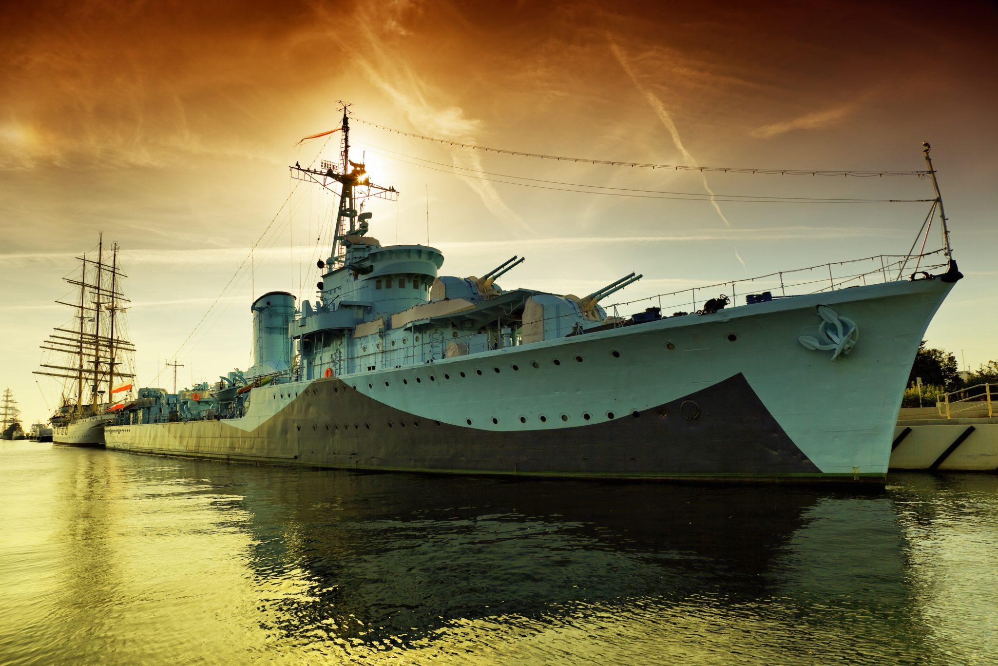 Combat Ships - Woodcut Media