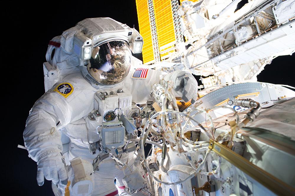 Spacewalk-to-install-International-Docking-Adaptor-on-ISS_-NASA-Photo_29057303652_16b5df2700_o